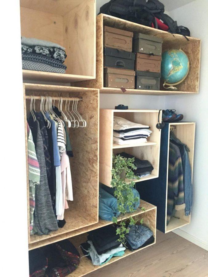 Closet con cajones de madera