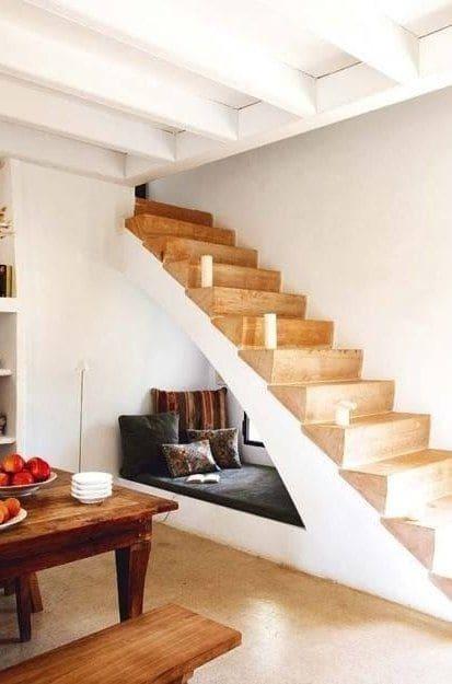 Espacio debajo de las escaleras