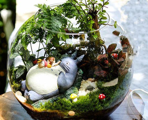 Decoración con plantas en terrarios animados