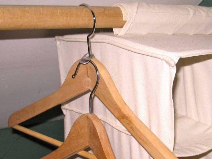 Anillos de latas para enlazar los ganchos de ropa