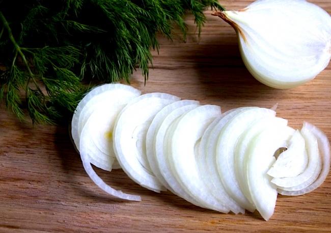 Congela la cebolla para que tu vista no se irrite